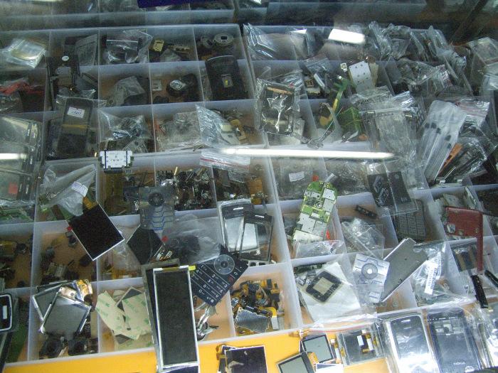 damaged-phones-china